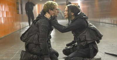 mockingjay-part-2-katniss-peeta